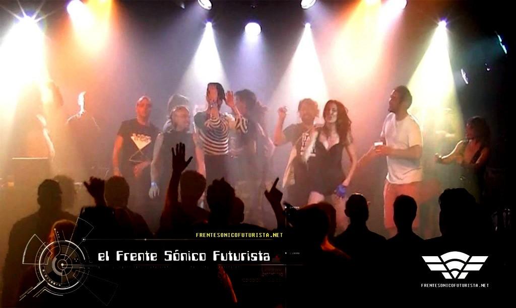 Final de fiesta del Frente Sónico Futurista después del concierto de Gabi Delgado.